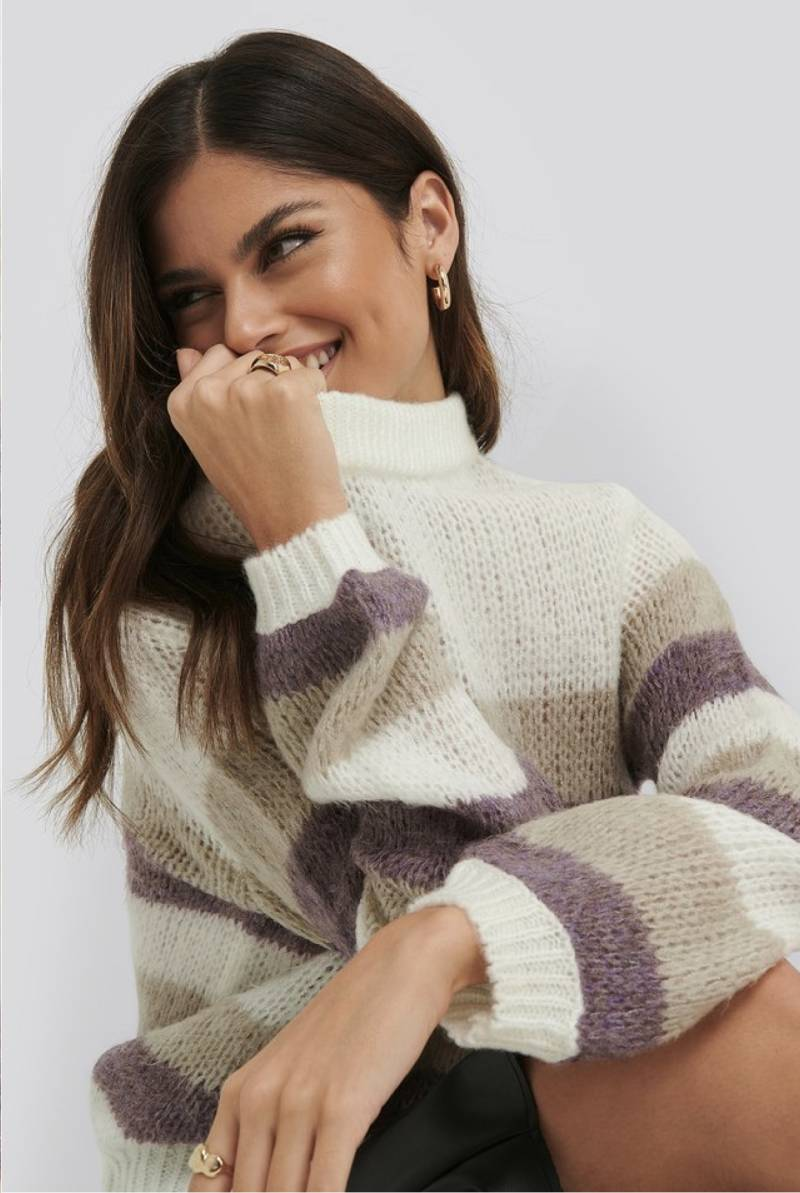 Balloon sleeve multi striped knited sweater