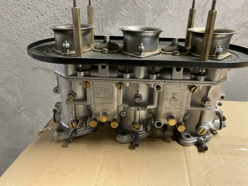 Set of 911 S Weber carburettors  1968