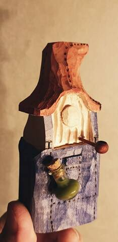 Hill Billie Gnome with glas bottle