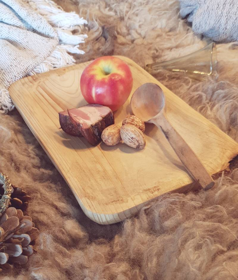 Basic viking dining plate