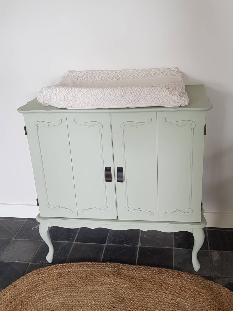 Brocante Commode 'Nora' zacht pastelgroen Restyled by Hanneskids Home & Hout