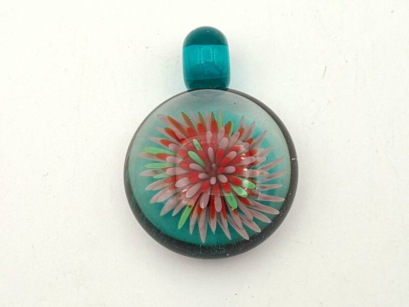 Pendant in Red and Pink