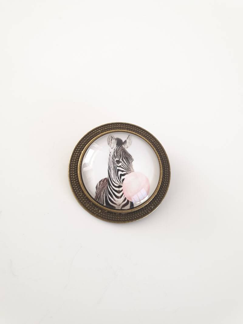 Broche zebra met bubble gum