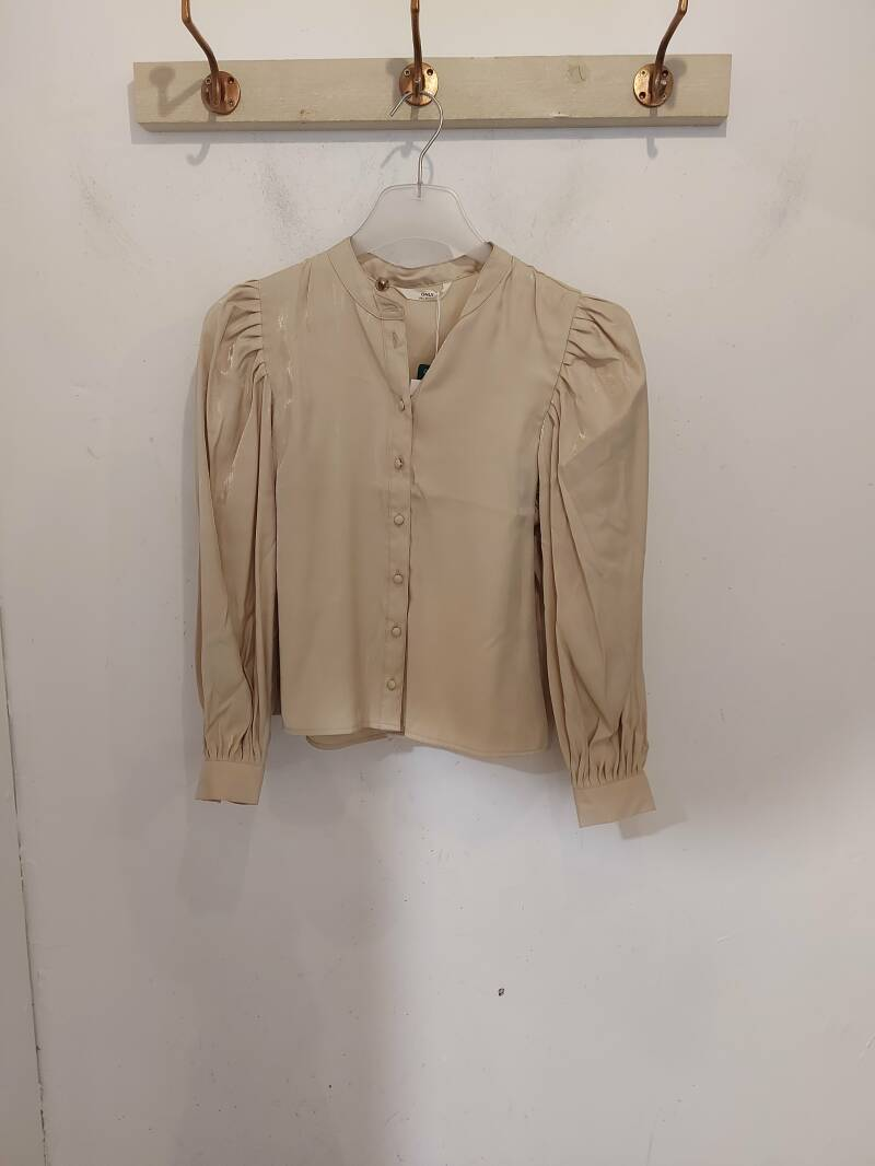 Only Abigale blouse macadamia
