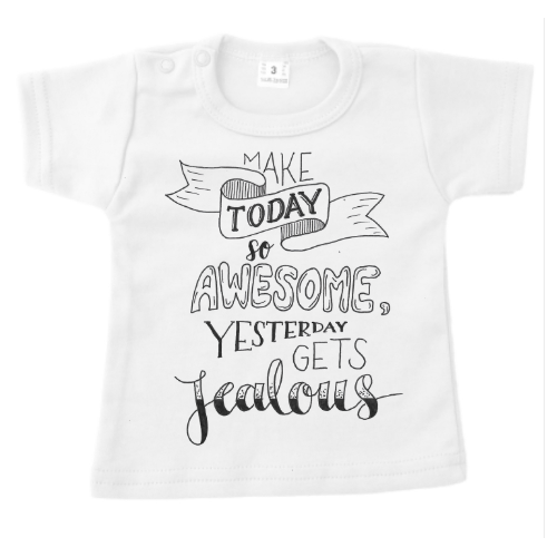 T-shirt zwart of wit - make today awesome