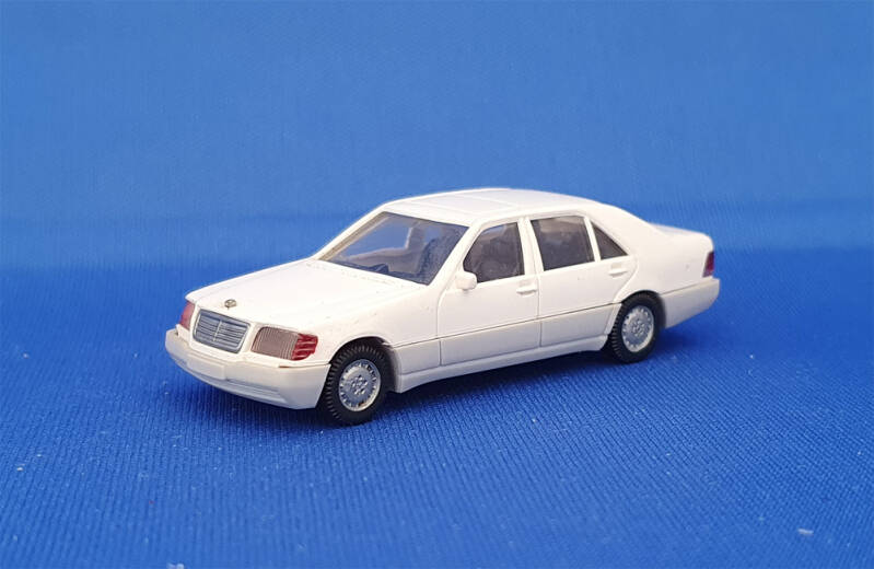 Wiking 15801 - Mercedes-Benz 500 SEL (1587)
