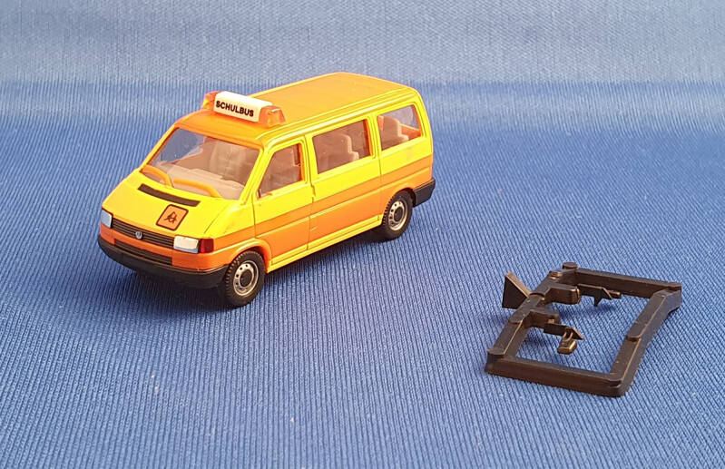 "Herpa 041652 - VW T4 Caravelle - ""Schulbus"" (1660)"