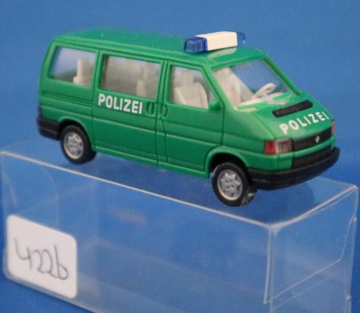 Wiking - VW Caravelle polizei (4226)