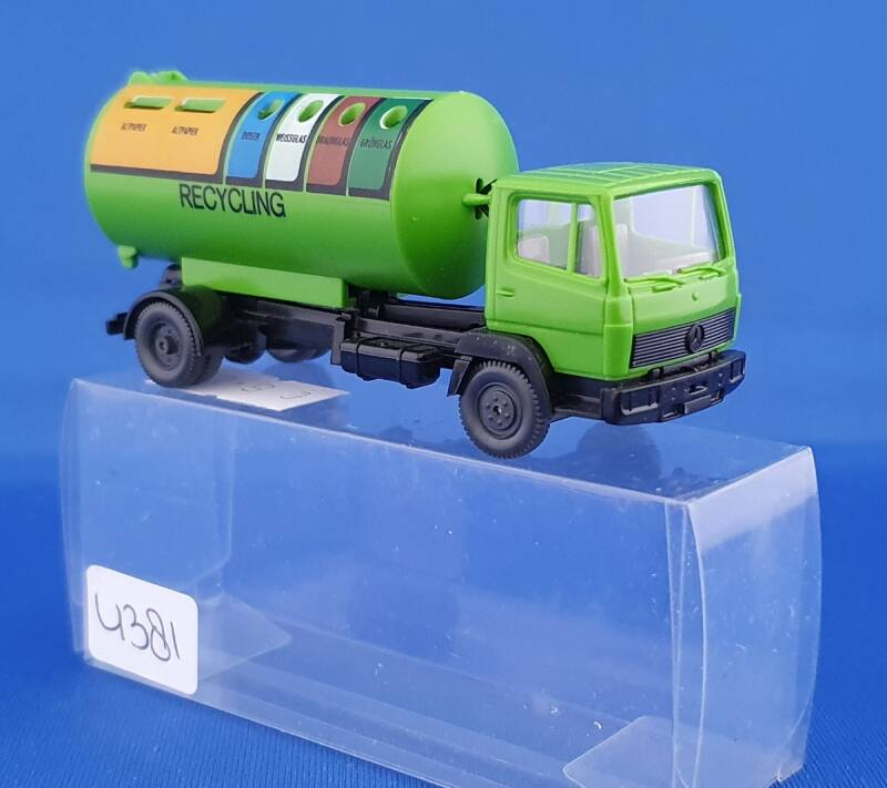 Wiking - MB containertruck (4381)