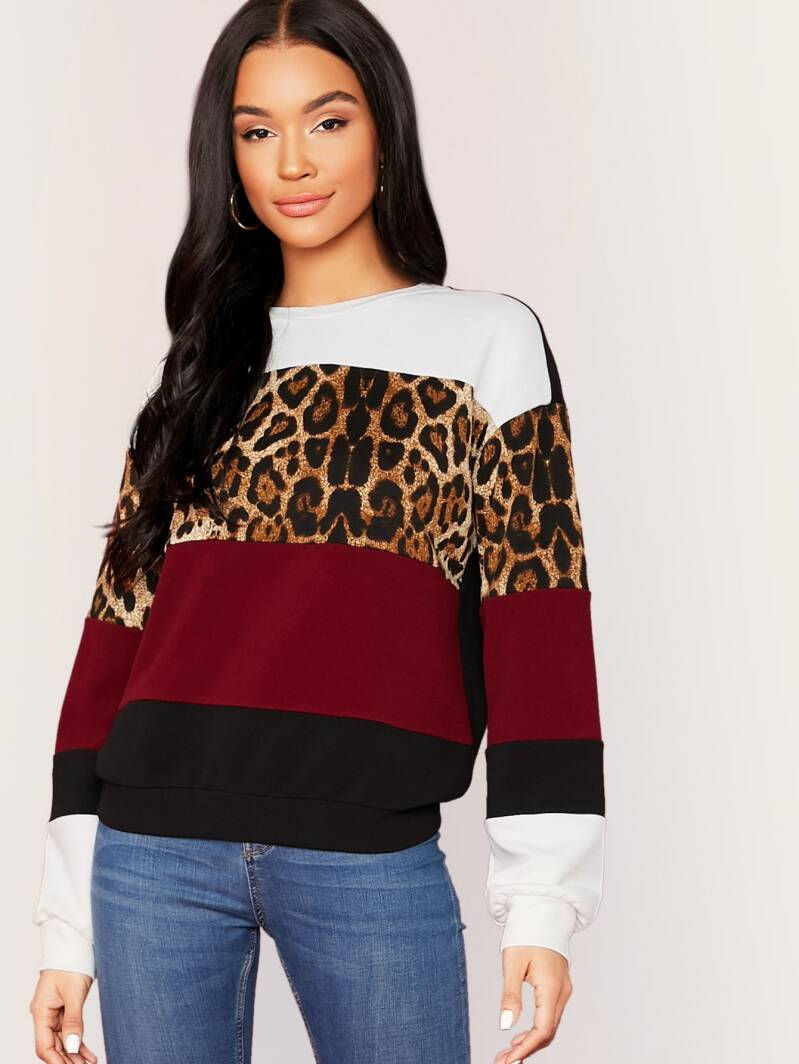 Sweater wit/panter/rood print