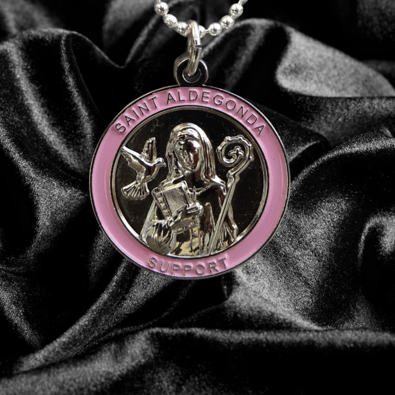Saint Aldegonda against Breast Cancer - Modest size Pendant