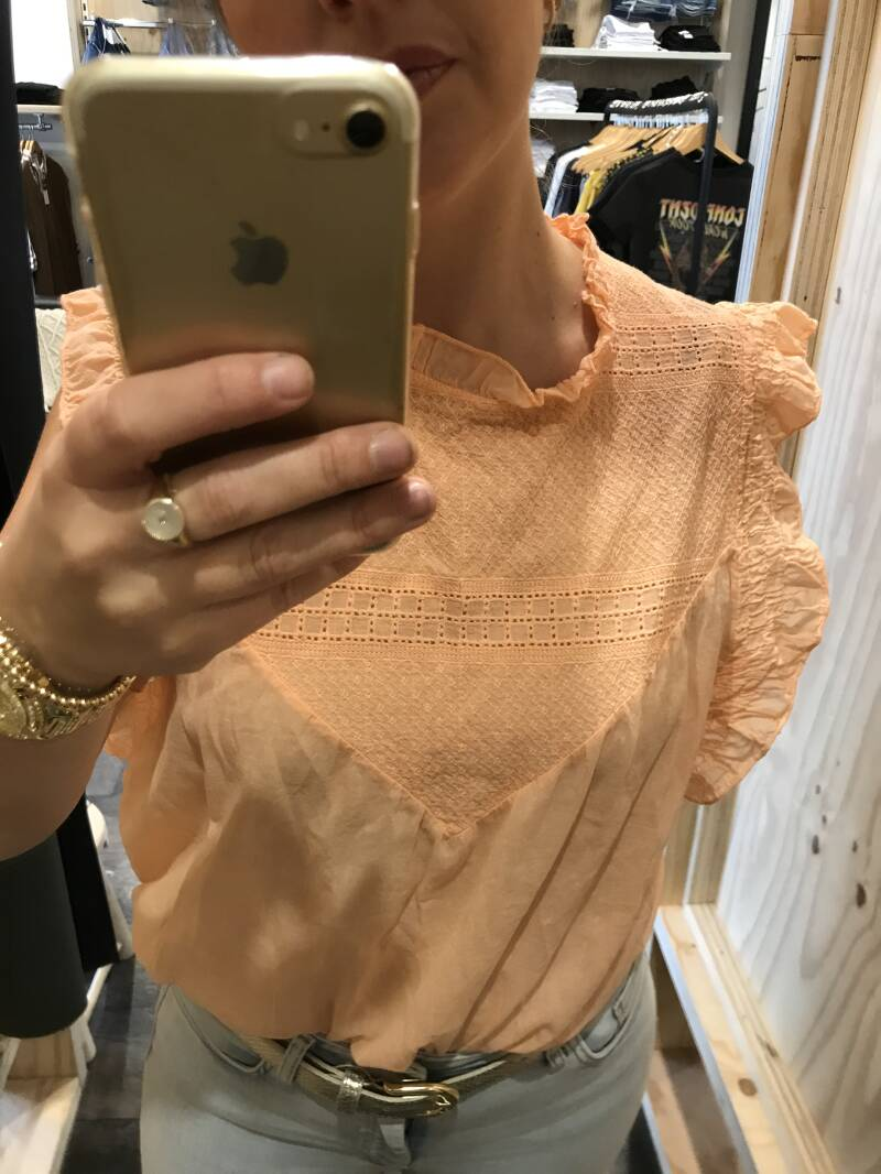Ambika top Peach (one size)