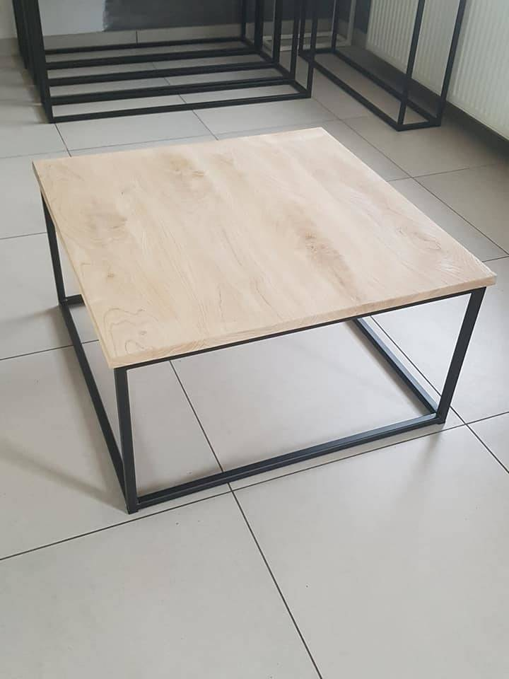 salontafel in massieve eik kubus
