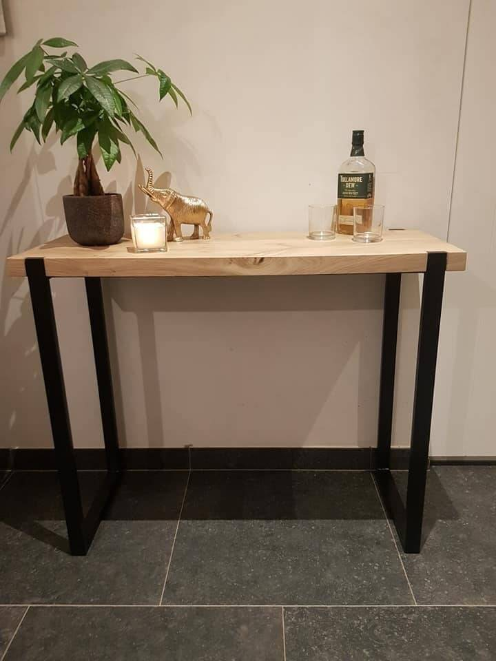 sidetable staal in eik