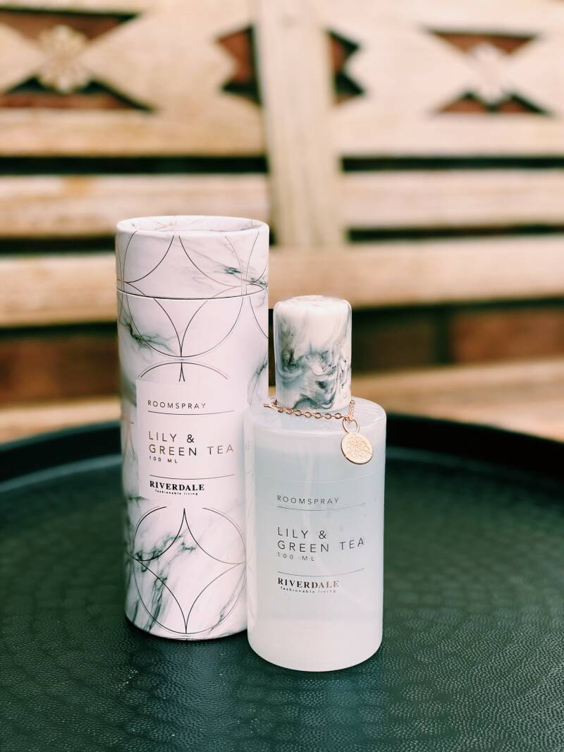 Musthave April - roomspray Lily & Green tea