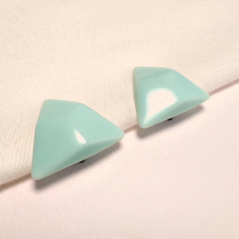 Turquoise triangle oorclips