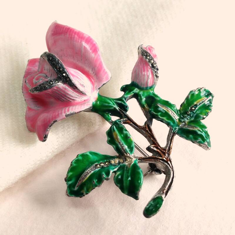 Emaille roze roos broche 40s