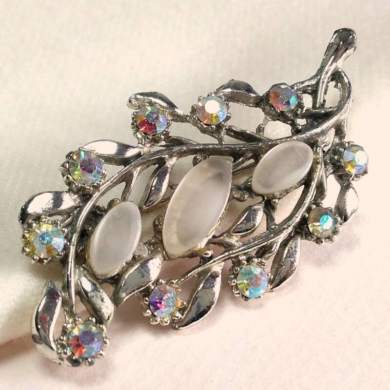 Florale AB strass broche 50s