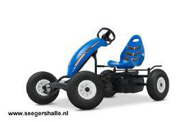 07_30_01-berg-compact-sport-side-1table50-1.jpg