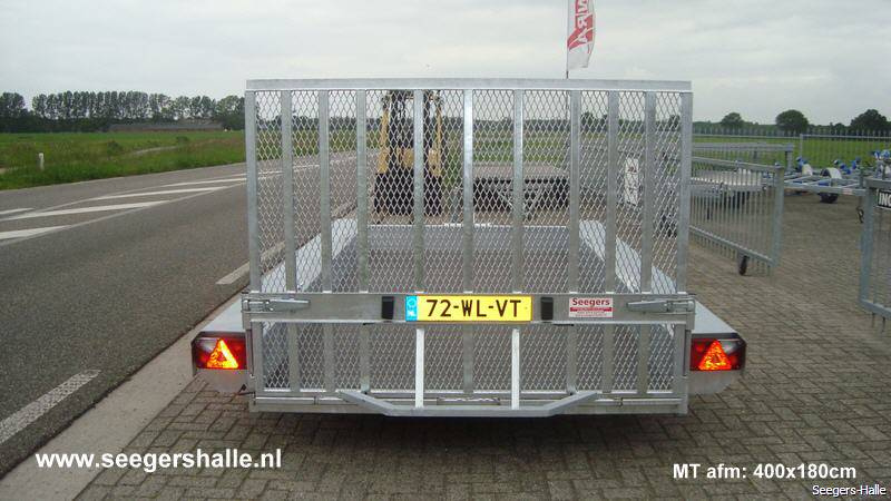 machinetransporter-400x180-achter-03_06_15_59-seegers.jpg