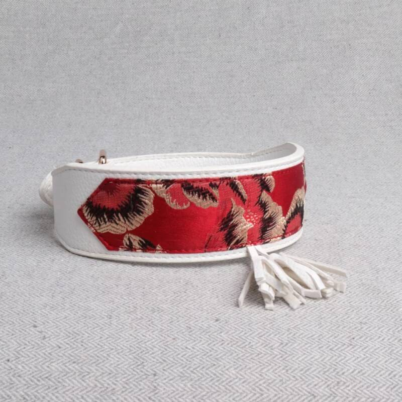 Chinese styl collar red