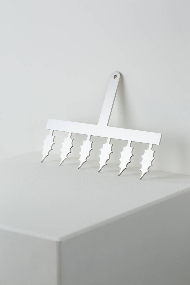 HOLY LEAF COMB (SMALL)