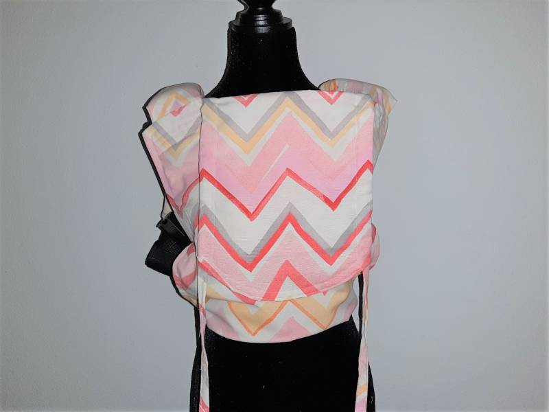 Toddler easy click carrier. Multicolor zigzag.