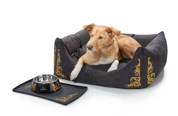 Hunter Dog sofa Ricarda M