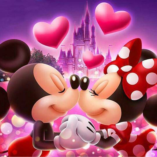 """Diamond painting """"Mickey and Minnie in love"""""""