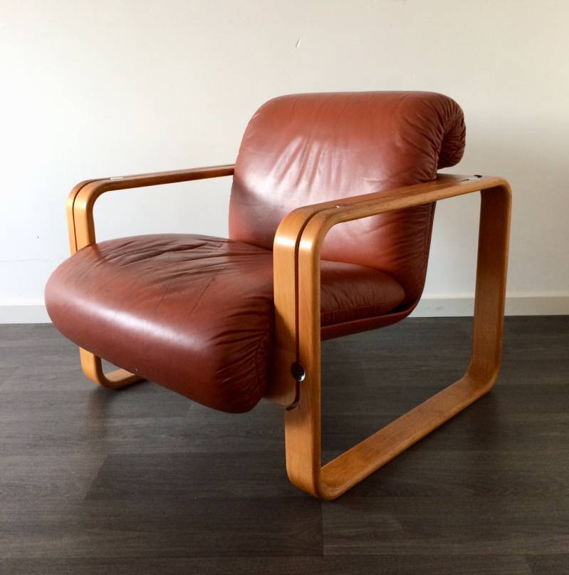 Vintage 1970's Design Stoll Giroflex Leather and wood Arm Chair Seat