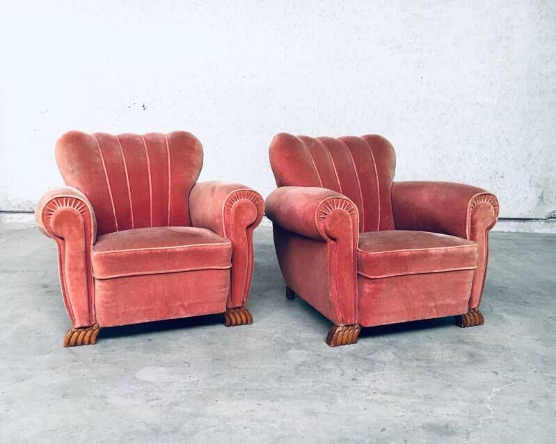 1930's Art Deco Shell Style pair of Pink Velvet Arm Chairs