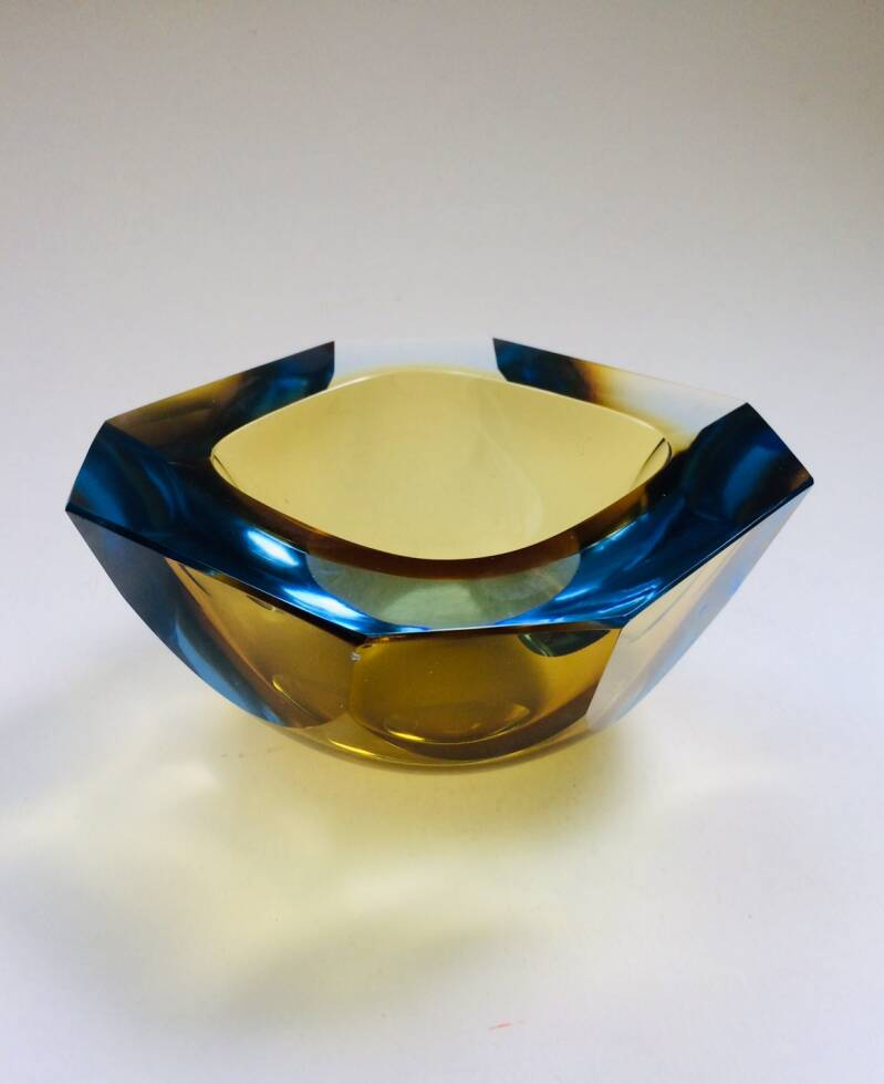 Midcentury Modern Art Glass Faceted Vide-Poche by Mandruzzato Murano 1960's