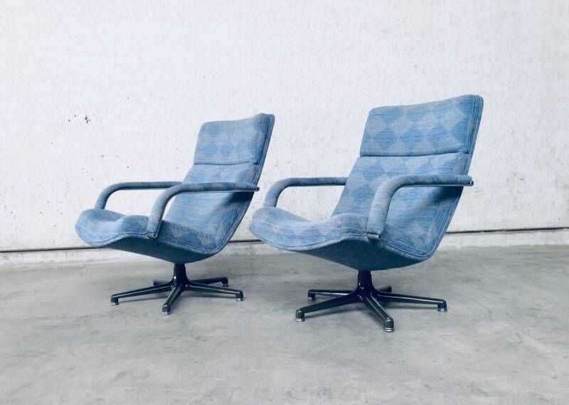 Original Artifort Swivel Lounge Chair F141 Set of 2 by Geoffrey Harcourt