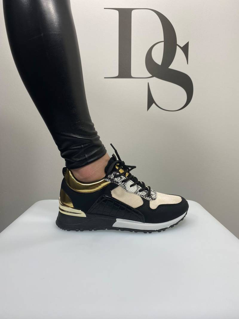 Sneakers black-gold DS033