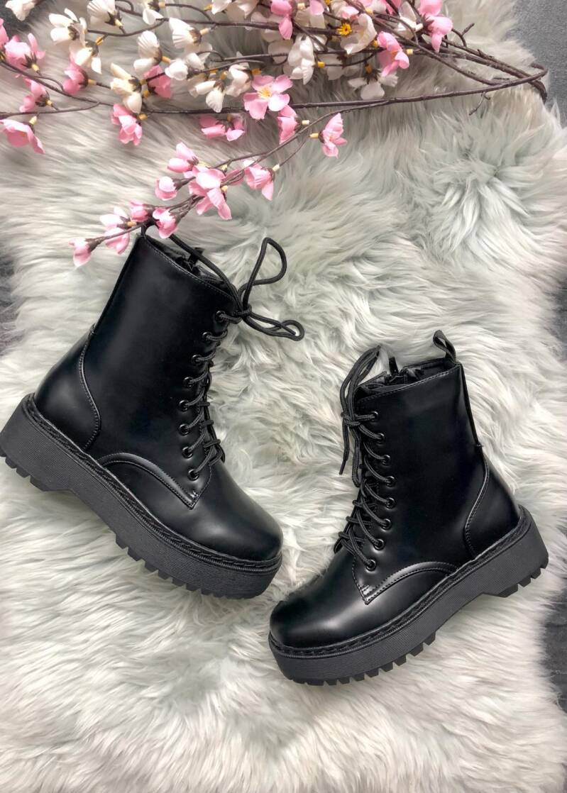 Boots R18