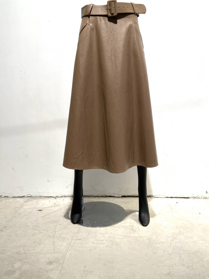 LOLA! FAUX LEATHER SKIRT WITH BELT