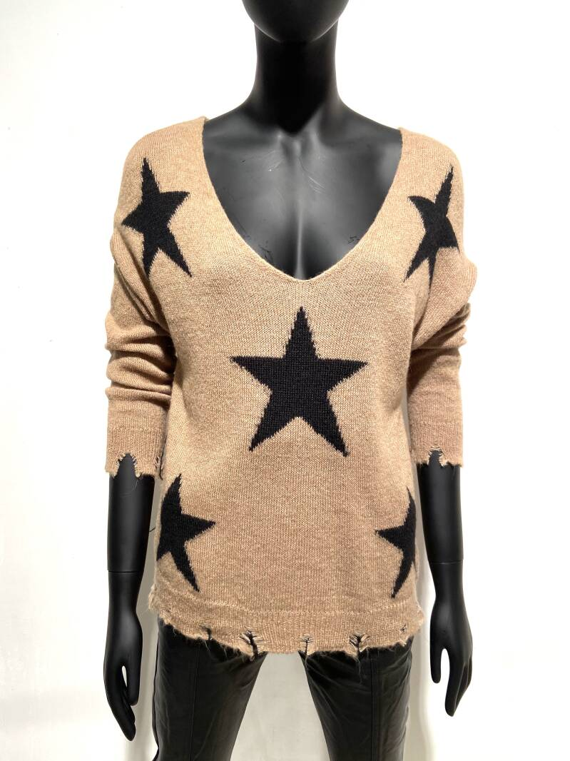 LOLA! STARS CAMEL DESTROYED TOP