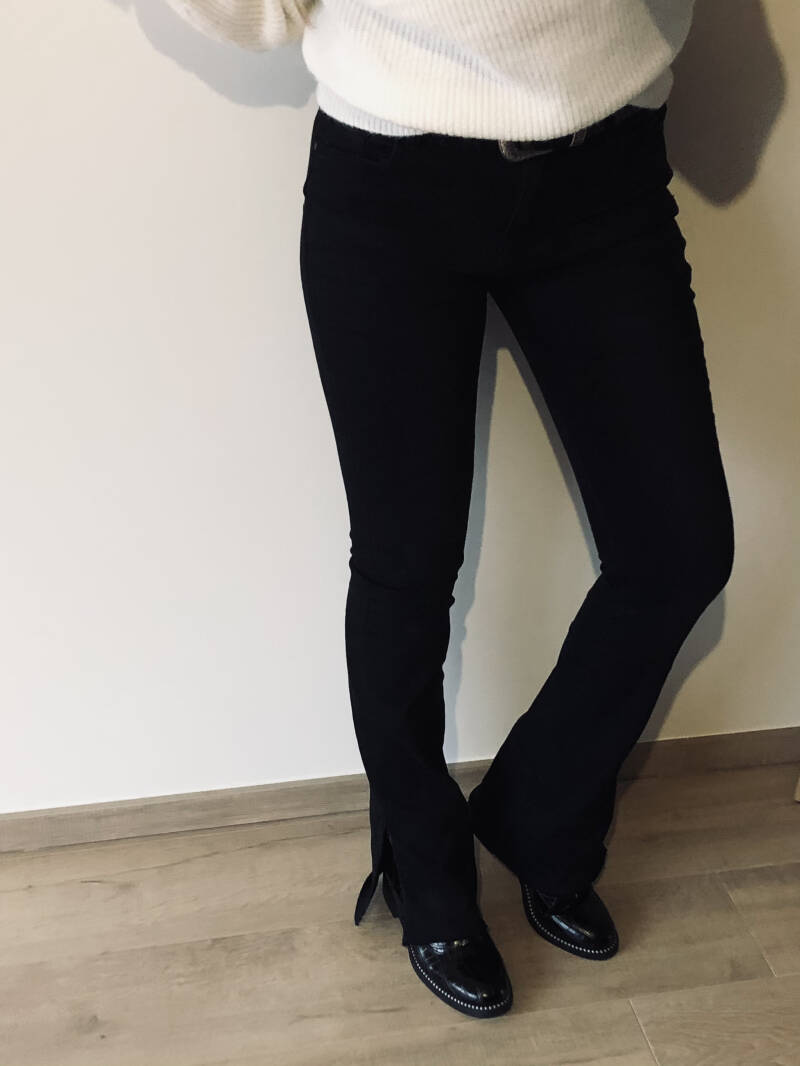 Flared pants with split