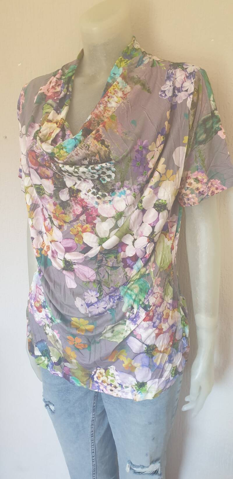 Multi colour gebloemd top maat xxl(42)