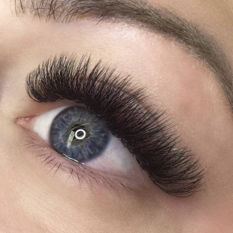 Opleiding wimperextensions russian volume