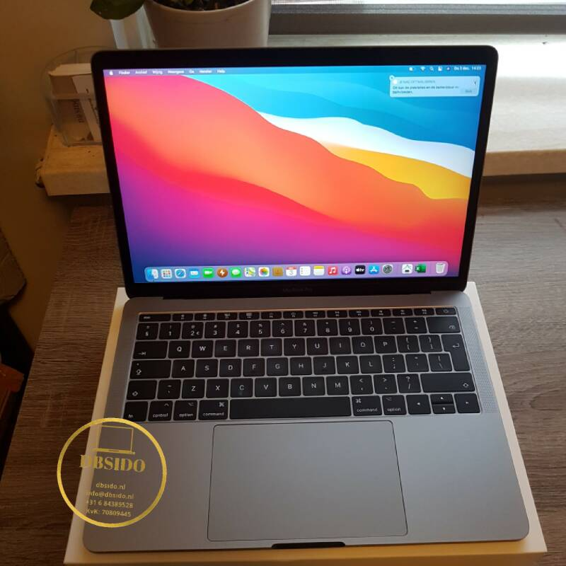 Apple macbook pro 13 inch retina core i5 8GB 128GB SSD  uit 2019