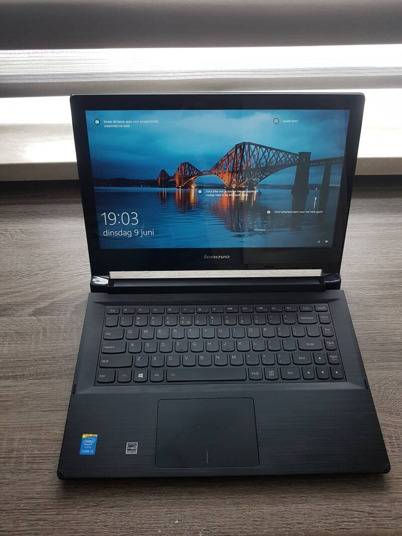 Lenovo flex 2-14 core i3 6GB 256GB SSD refurbished✔zeer snel