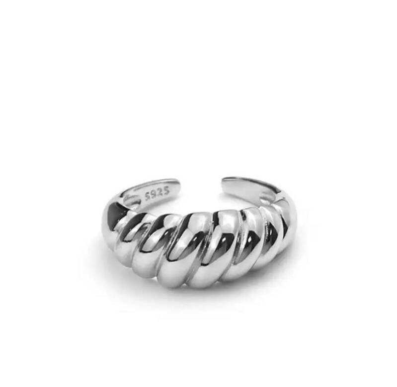 Croissant ring silver