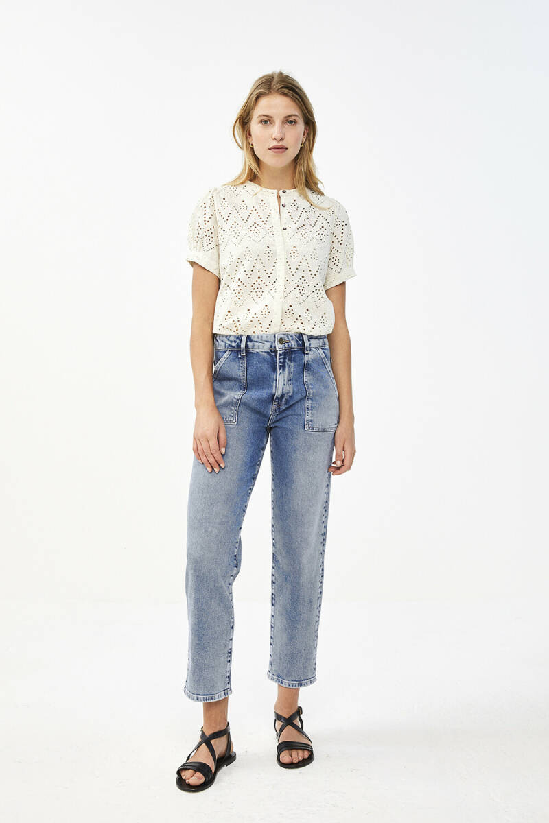 By Bar Bloom Embroidery Blouse Creme
