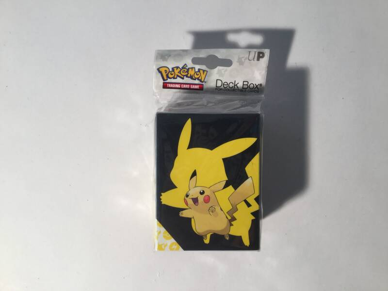 Pokemon • Deck Box • Pikachu