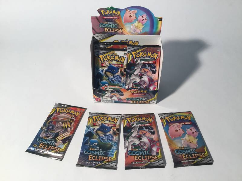 Pokemon • Booster Pack • Cosmic Eclipse