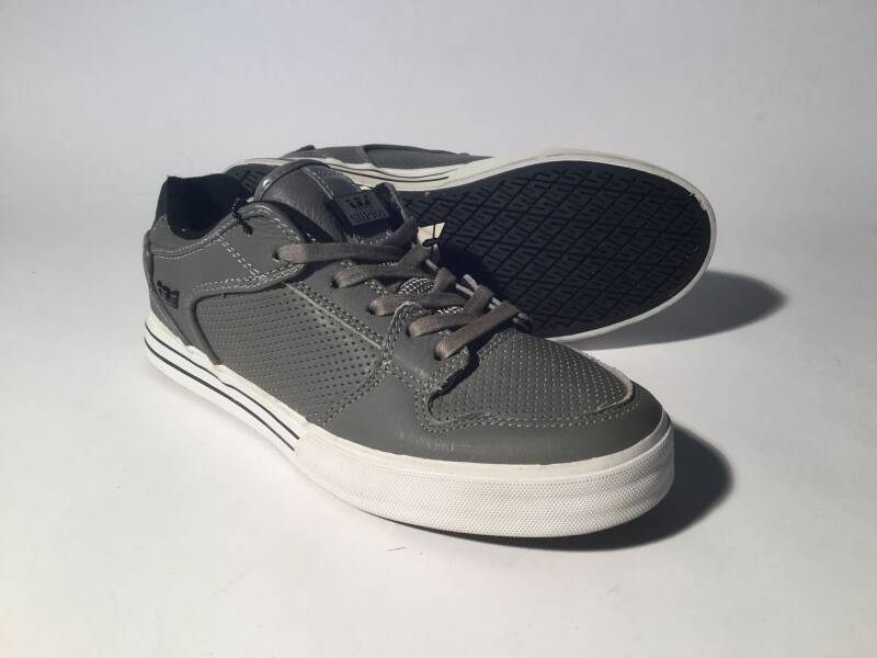 Shoes • Supra • Vaider Low • grey/white leather • 7us / 40eu