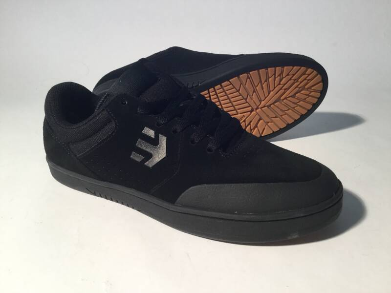 Shoes • Etnies • Marana • black/black • 7.5us / 40eu