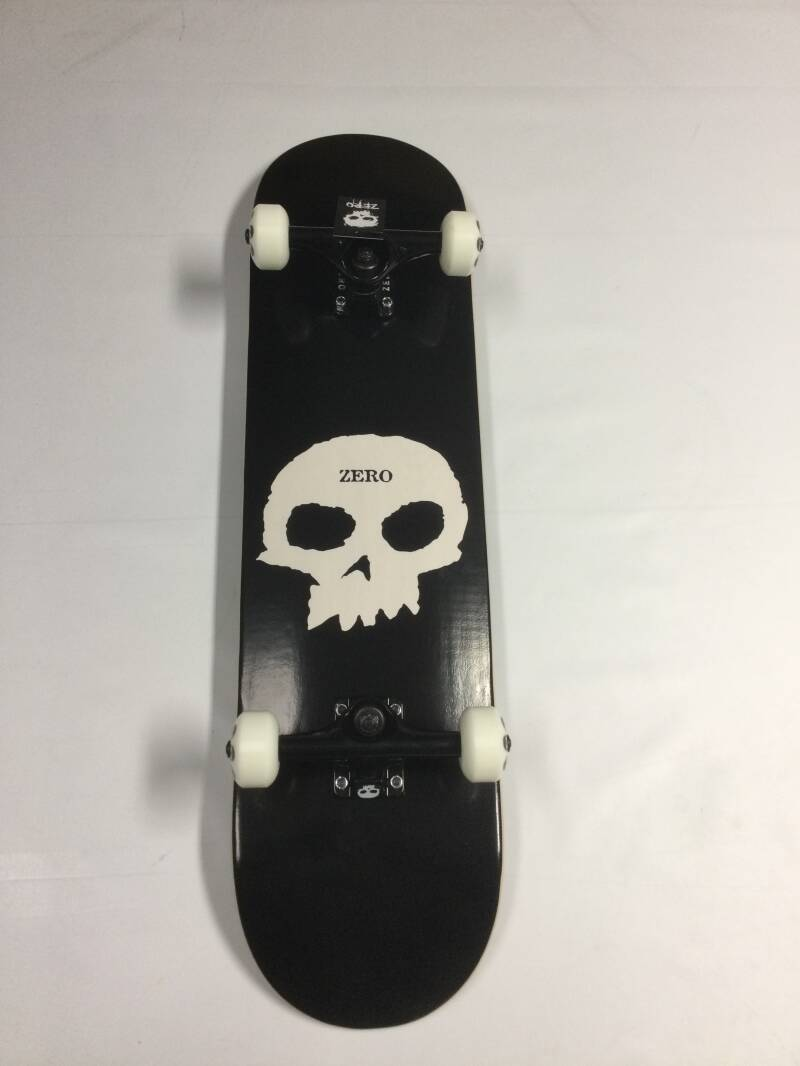 Skateboard • complete • Zero • Single skull • 8.0 inch