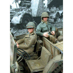 US Soldiers Seated #1 MK35 F118